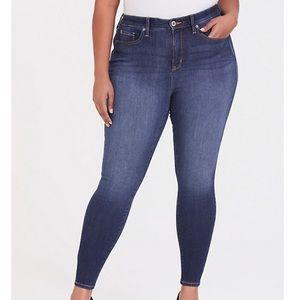 Torrid Premium Sky High Skinny Jean NWT Size 16